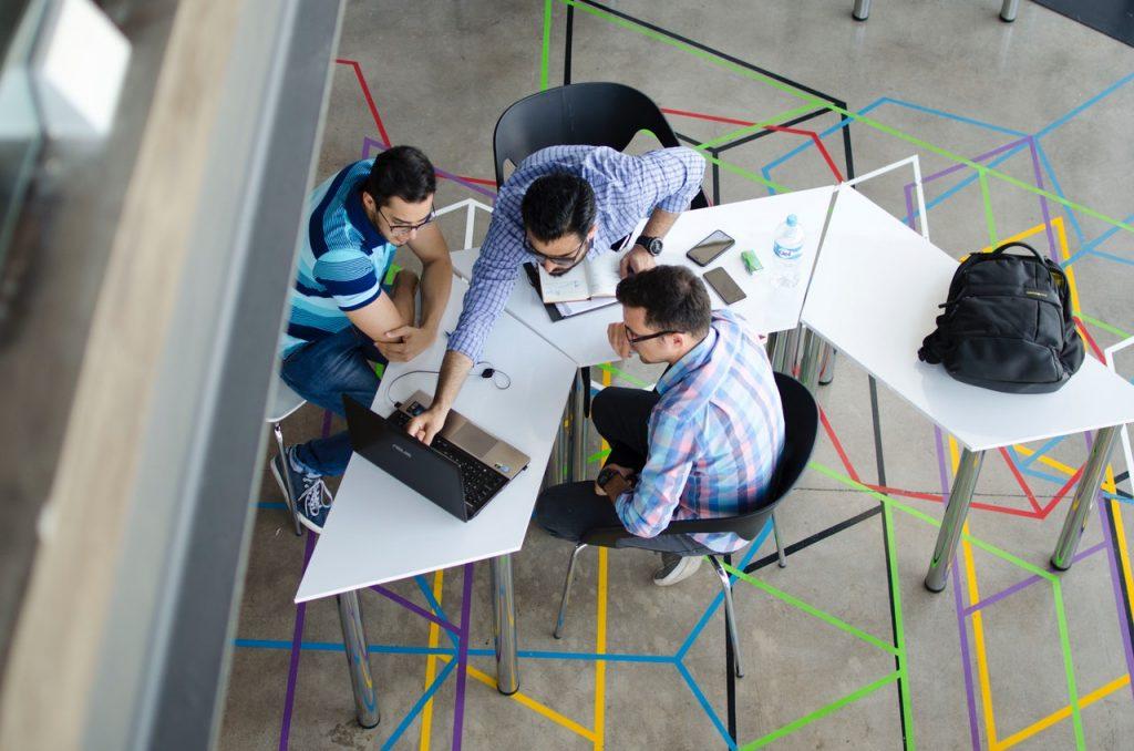 kreatywność w biznesie czy jest dla niej miejsce? Career PRO Agent Kariery wspieramy w zmianach zawodowych profesjonalne CV manager szukanie pracy jak szukać pracy pomoc w szukaniu pracy dla managerów manager zmiana pracy